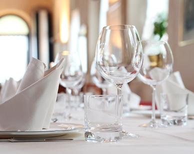 Gedeckter Tisch - Hotelbedarf